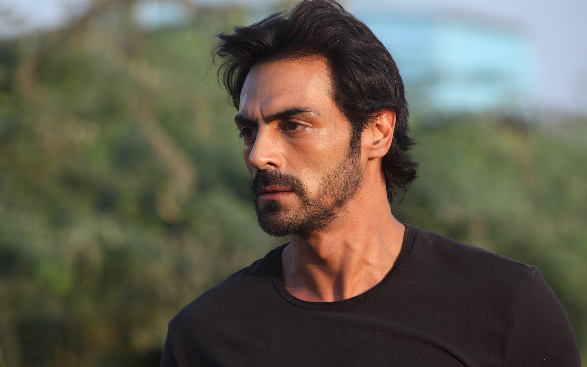Arjun-Rampal-Sexy-New-Look-in-D-Day-Movie