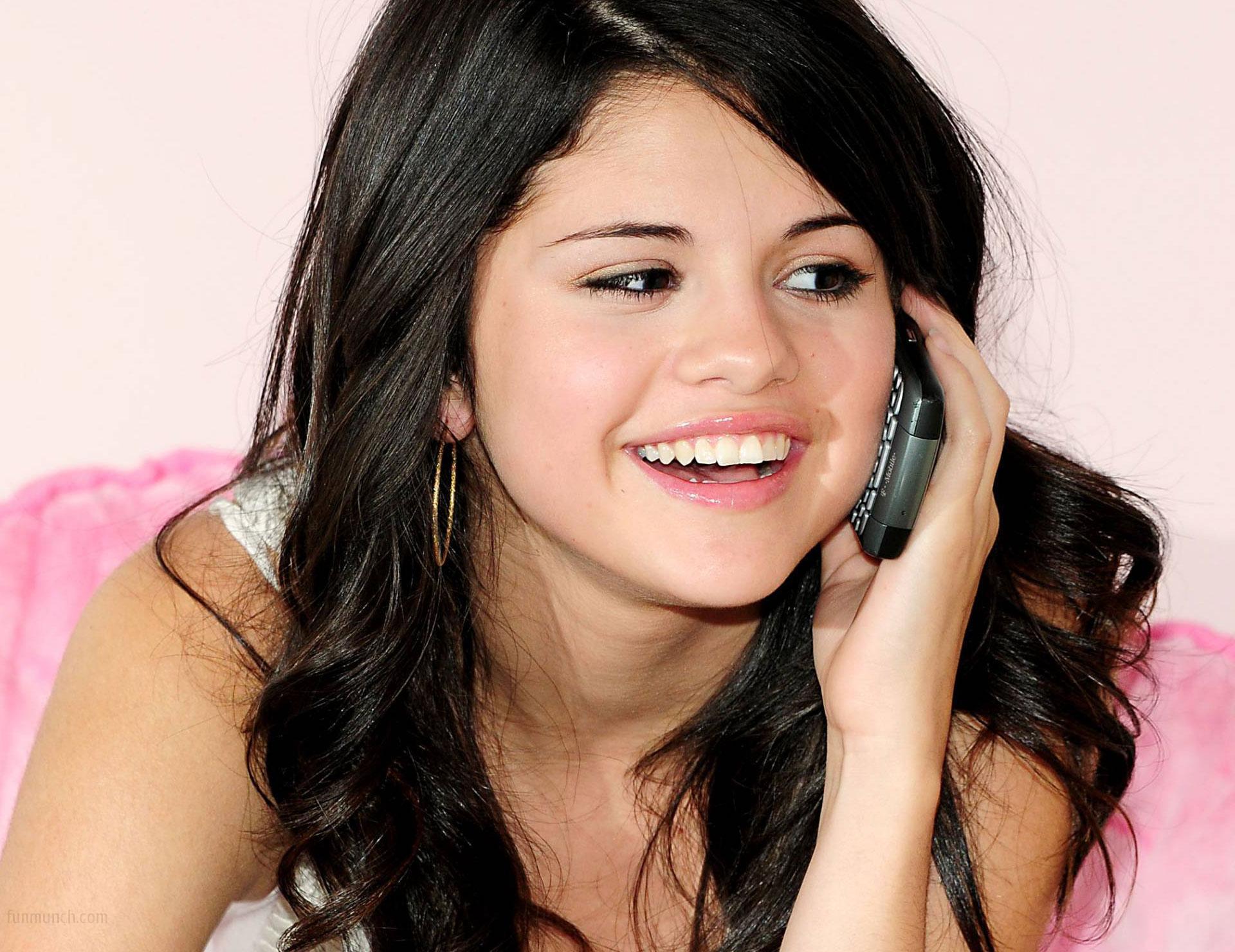 Selena-Gomez-HD