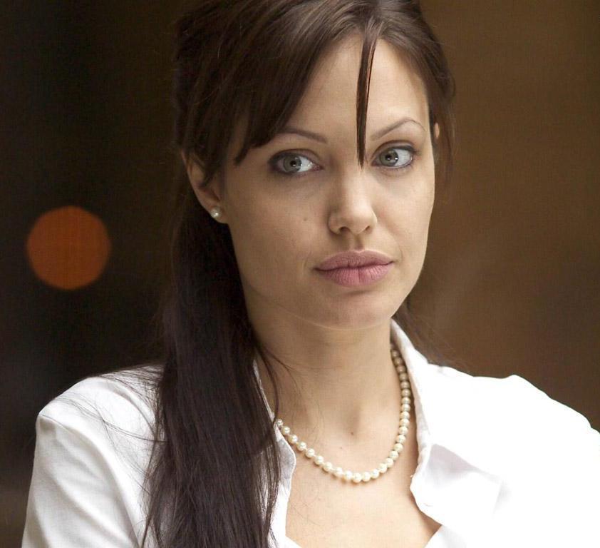 Angelina_jolie