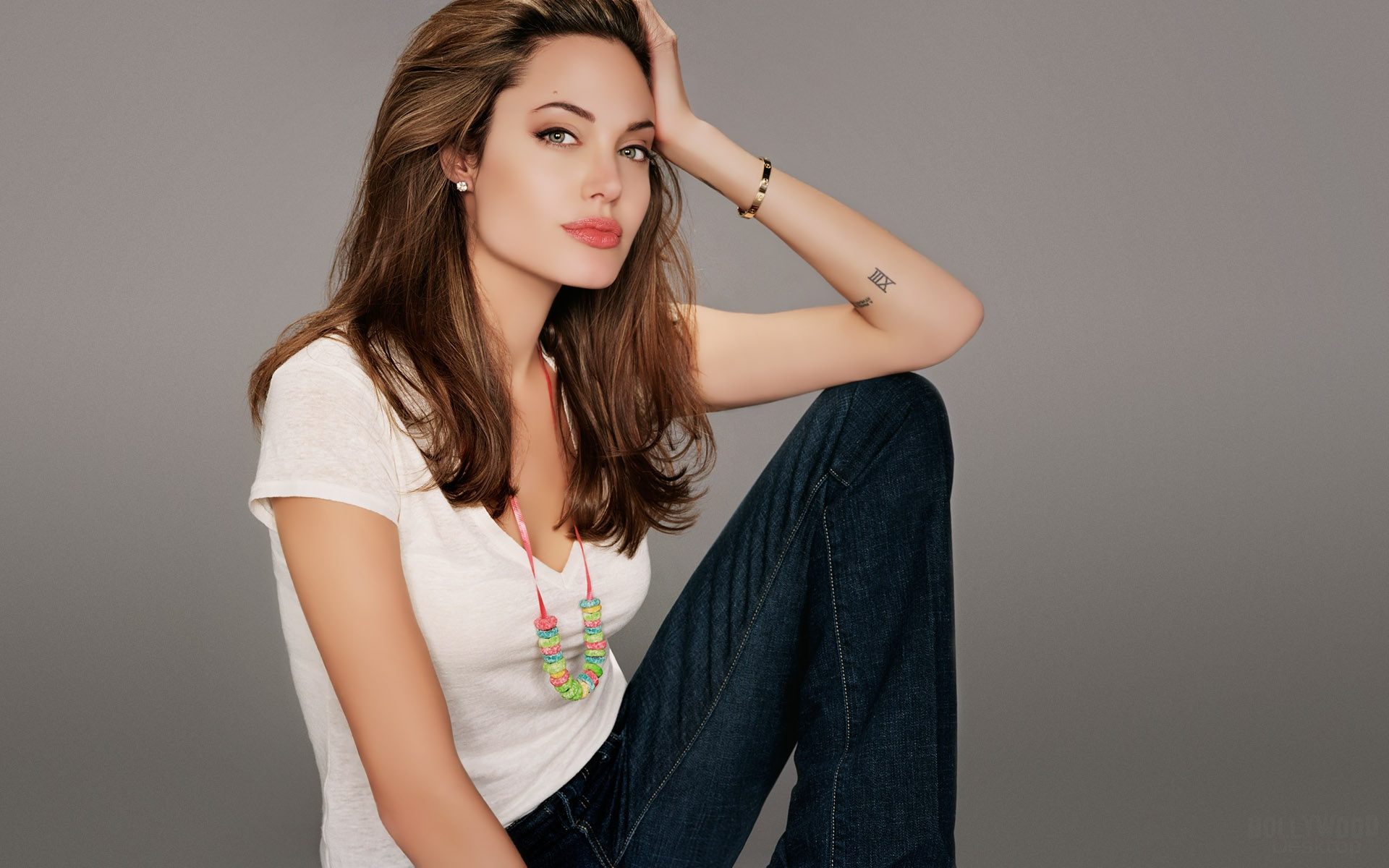 Cute-Angelina-Jolie
