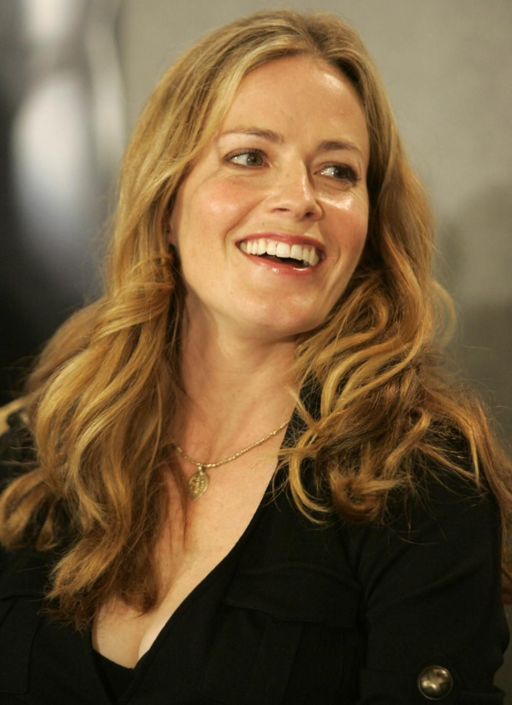 Elisabeth Shue photos and Biography - Digital HD Photos